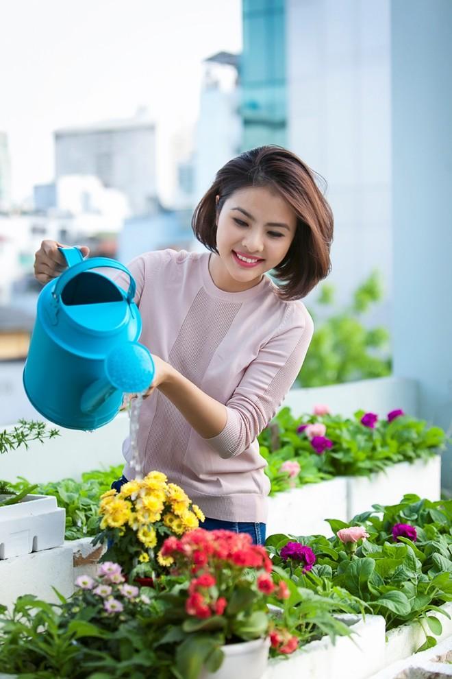 Không gian sống tràn ngập hương hoa của Vân Trang