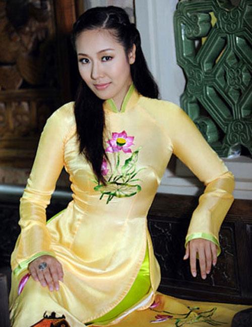 Làn môi ngọt ngào của hoa hậu Ngô Phương Lan