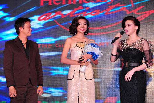 Thanh Hằng đoạt giải 'Mỹ nhân của năm 2013'